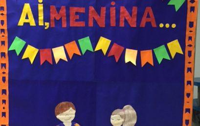 Tradição, arte e muita diversão na atividade dos murais inspirados nas Festas Juninas.