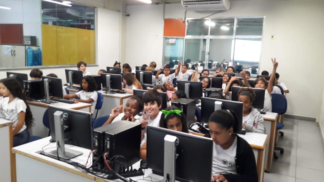 Estudando e aprendendo com tecnologia