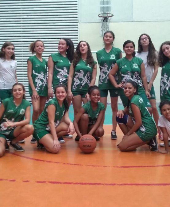 Meninas do basquete no JEN 2019 (Jogos Escolares de Niterói).